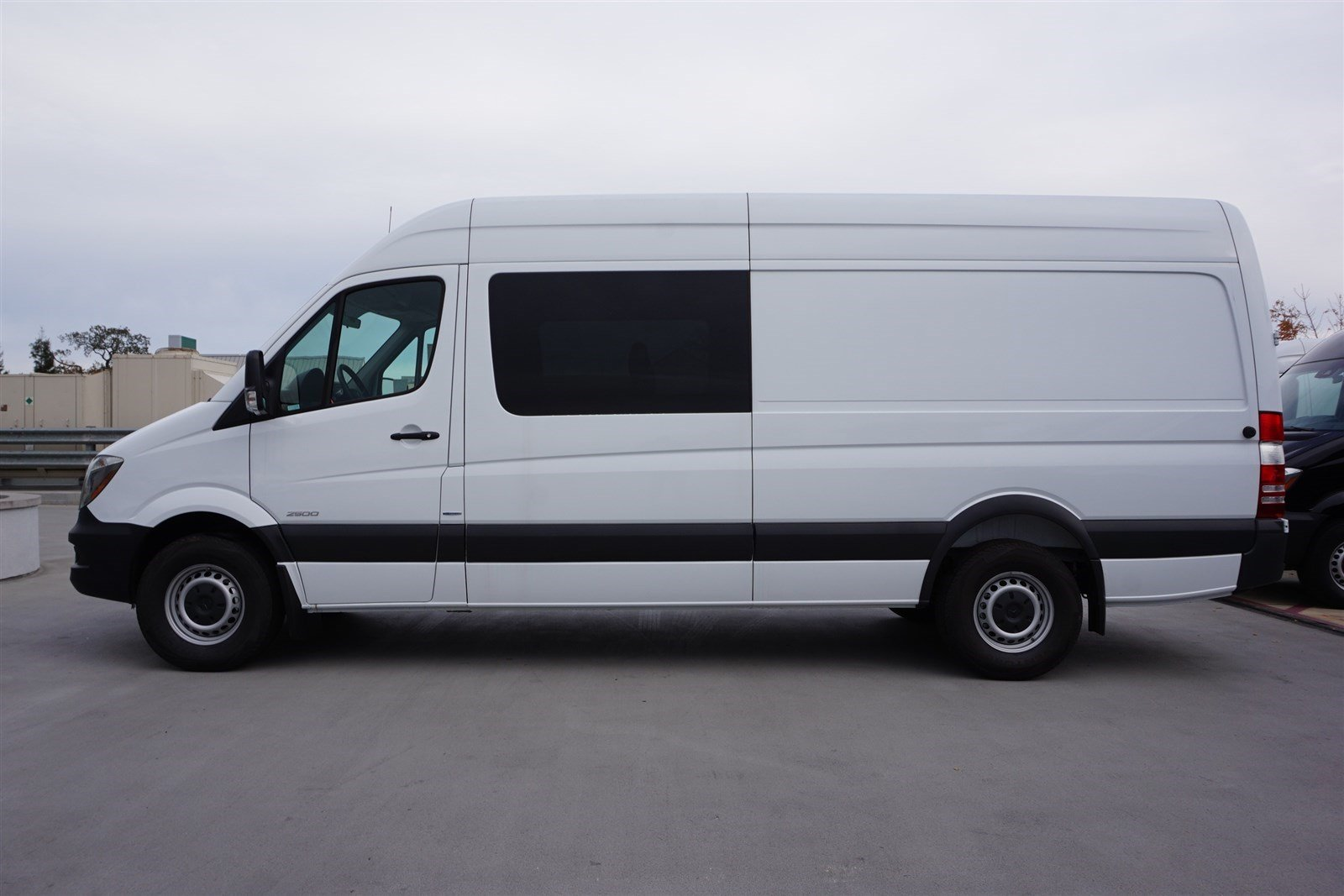 New 2016 mercedes benz sprinter passenger vans full size for Mercedes benz sprinter passenger